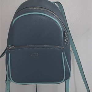 GUESS BACKPACK 💙💙💙